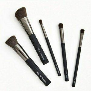 LARUCE Essentials Brush Set